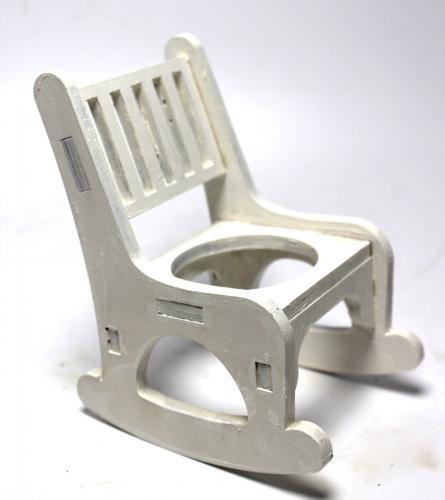 Lora Sallanan Sandalyeli Çiçeklik, Beyaz