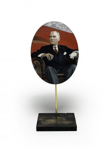 Ahşap Ayaklı Atatürk Tablo Set 6