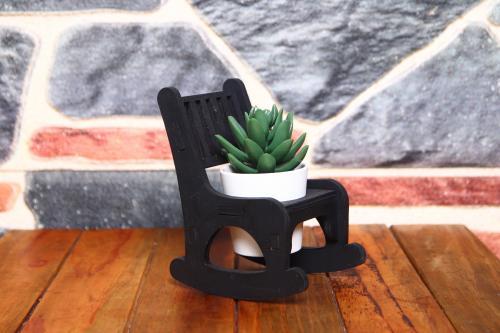HK Dekor Lora Sallanan Sandalye Çiçeklik - Siyah